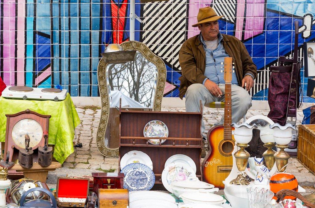Feira da Ladra (dievenmarkt) Lissabon